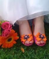 اختاري حذاء الزفاف الملون لإطلالة جريئة