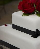صيحات مختلفة لكيكة الزفاف في هذا الموسم
